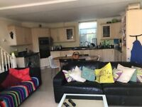 Double room available in lovely Hanover house