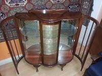 beautiful antique side board cbent. excellent condition