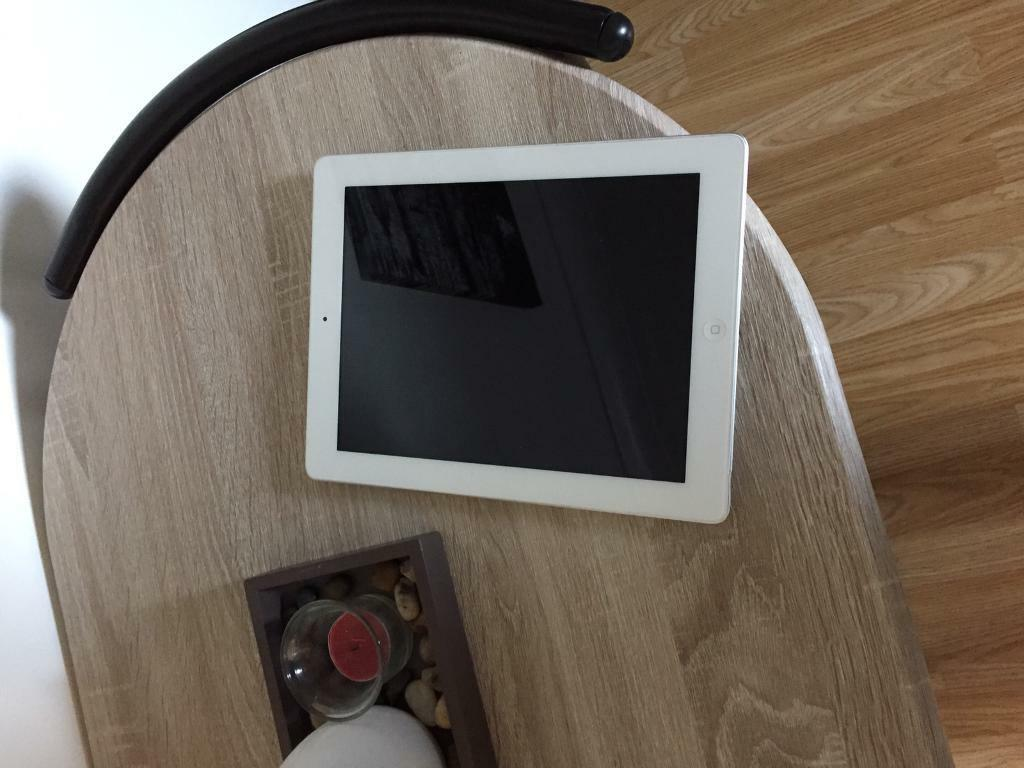 Ipad 3 in immaculate new conditionin Bromley, LondonGumtree - Ipad 3 16gb wifi Immaculate Always kept in a protective case Not a single scratch, dent on the iPad Charger included No offers due to the immaculate condition and too many damaged iPads online for the same price or less