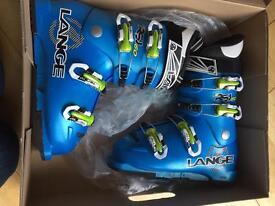 Junior ski boots VGC