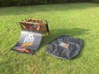 Flick Urban football trainer perfect for in gardens or for training. (With Bag)