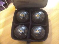 Henselite bowls set of 4