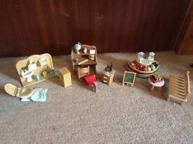 Sylvanian Desk, Toilet and Juice Shop Set