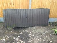 4 low fence panels