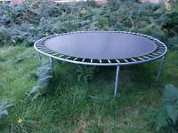 SOLD !!! Trampoline 14 ft