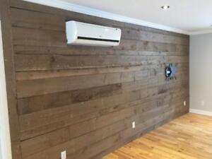 Installation de revêtement mural, bois de grange, entrepreneur spécialisé RBQ