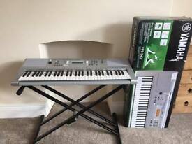 Yamaha YPT 340 Portable Keyboard and Stand