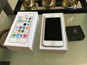 Apple iPhone 5s , Silver , 16GB , Telus/Koodo