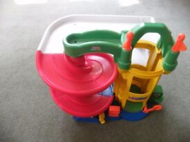 Fisher price little people garage - £5