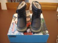 Khombu waterproof snow boots infant UK 10 unused