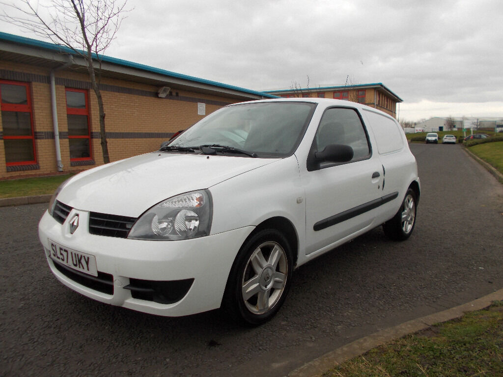 renault clio campus 1 5 dci diesel van brilliant white 2007 full mot bargain 950 look px. Black Bedroom Furniture Sets. Home Design Ideas