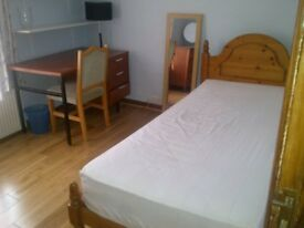 JUST PERFECT, SPACIOUS, COSY SINGLE ROOM @ £500/- INCLUSIVE OF ALL UTILITY BILLS, WIFI & TV.