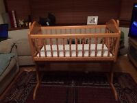 Swinging Crib - Mamas & Papas