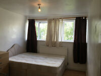 DOUBLE ROOM TO RENT - 10 WALKING DISTANCE MINUTES TO DOCKSLAND, CANARY WHRAF