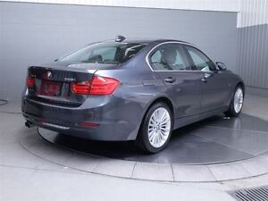2013 BMW 328I LUXURY X-DRIVE MAGS TOIT CUIR West Island Greater Montréal image 6