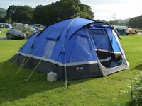 Hi Gear Voyager 6 Family Tent with Carpet