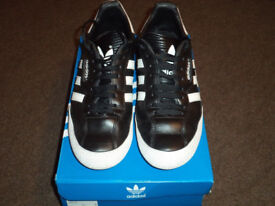 Mens Adidas Original Super Samba Trainers Black/White Size 10
