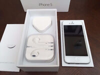Apple iPhone 5 - 16 GB - White & Silver (Unlocked) - GOOD CONDITION