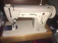 SINGER Semi-industrial sewing machine
