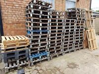 Free Over 50 Mini Pallets Great For Sending Out Small Goods