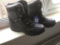 BRAND NEW Size 9 Snow Boots