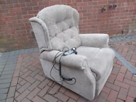Celebrity Riser Recliner Chair remote easy to use