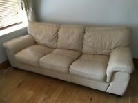 FREE LEATHER SOFA IN TWICKENHAM. COLLECTION ONLY.