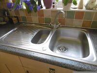 2 kitchen sinks with taps £25 each
