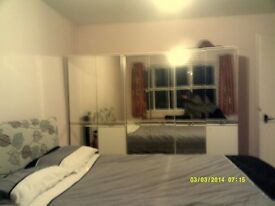 TWO DOUBLE BEDROOM AVAILABLE FOR PROFESSIONALS OR POSTGRADUATE STUDENTS