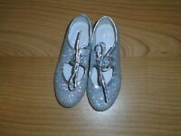 Used Silver Tap Shoes - unboxed Size 9