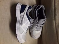 Nike Revolution Trainers Size 9 worn half a dozen times and hardly any wear
