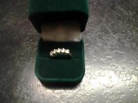 Diamond ring 5 stone