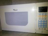 Whirlpool Microwave 750W