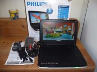 """PHILIPS PD9030/05 9"""" PORTABLE DVD PLAYER with CAR MOUNT and USB PLAYBACK see det"""
