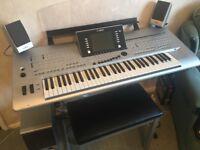 Yamaha Tyros 4 Digitalis workstation keyboard