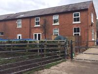 3 Bedroom property with equine facilities. 3 Boxes with Grazing