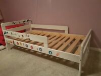 White toddler bed with or without mattress. In good condition.