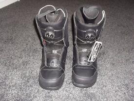 VAN's Encore snowboard boots