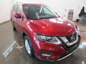2018 Nissan Rogue SV! Moonroof! B-Up Cam! Alloys! Save over $320