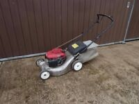 "18"" Honda Izy Self Propelled Petrol Lawnmower with Grass Bag"