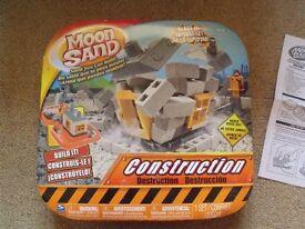 Moon Sand - Construction
