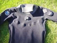 DUI SF200 Diving Drysuit Size Medium, Bag and Rock Boots