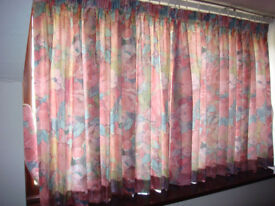 Bedspread and matching curtains