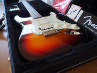 USA Fender Deluxe Plus HSS Stratocaster 2013 (4x Personality Cards)