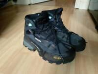 Salomon walking boots ladies size 5