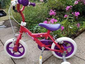 As good as new Girls bike/cycle (2 -5 years) adjustable seat