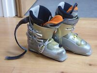 SALOMON 'ELLIPSE 9.0' SKI BOOTS FOR LADIES, SIZE 6 1/2 OR 41