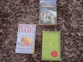 Roald Dahl - Fantastic Mr Fox, Enid Blyton - The river of adventure,