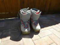 Ladies Burton Ruler snowboard boots size 4