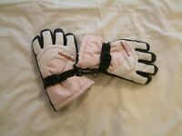 Various children's ski gloves for sale each individually priced, for collection